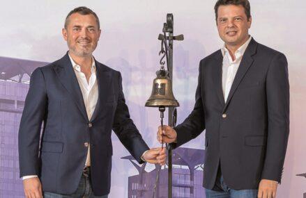 Victor Capitanu si Andrei Liviu Diaconescu, cei doi fondatori ai dezvoltatorului One United Properties, au cumpărat peste 800.000 de acţiuni ale companiei, la un preţ total de peste 1,5 milioane lei