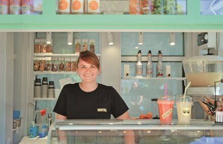 Ana Consulea, unul dintre cei mai cunoscuţi cofetari ai Bucureştiului: Lucrăm pentru a lansa un nou spaţiu, un concept construit în jurul îngheţatei. Înainte de a deschide Zelato, Ana Consulea a pus bazele Zexe Braserie