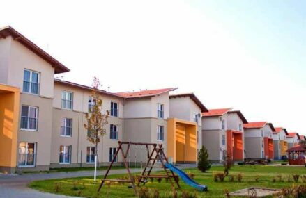 Firma Imotrust Arad, activă în zona imobiliară, vrea să cumpere un teren de 3.415 mp în Timişoara, la preţul de 2,25 milioane euro, pentru a construi un bloc