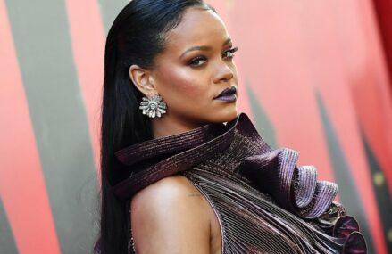 Rihanna, cea mai bogată cântăreaţă din lume, intră oficial în clubul miliardarilor, cu o avere netă de 1,7 miliarde de dolari. Majoritatea averii nu îşi are originea în industria muzicală