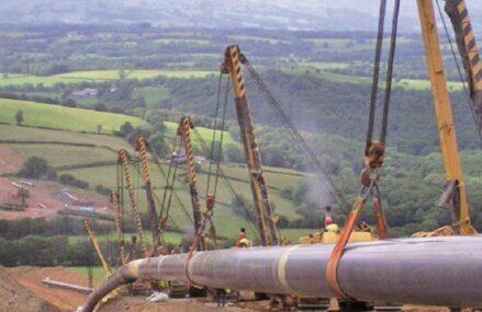 Jocurile geopolitice ale gazelor naturale se desfăşoară în forţă în Europa. Cine stă pe tuşă pierde sau ajunge să joace pentru altcineva