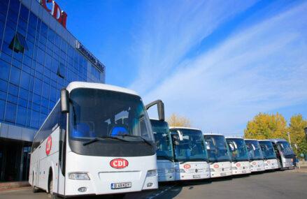 Ion Comuşi, compania de transport rutier de persoane CDI: Se circulă tot mai greu. Pe Bucureşti-Braşov facem şi cinci ore, noi tot sperăm la autostrăzi. Distanţa dintre Bucureşti- Braşov (180 kilometri) ar trebui parcursă în cel mult trei ore