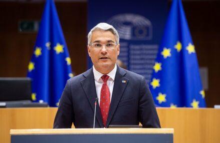 ZF Live. Dragoş Pîslaru, europarlamentar: Uniunea Europeană vorbeşte despre reindustrializare, dar România nu are un nicio direcţie industrială şi nici personal care să înţeleagă conceptul de lanţ valoric