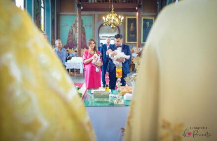 Cum alegi fotograful potrivit pentru botezul copilului