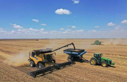 """ZF Agropower. Preţul terenurilor agricole creşte în urma apetitului investitorilor, dar nu într-un ritm accelerat. """"Un hectar se amortizează în 50 de ani, dacă este folosit pentru cultura vegetală. Preţul maxim pe care l-aş da este de 5.500 – 6.000 de euro/hectar."""""""